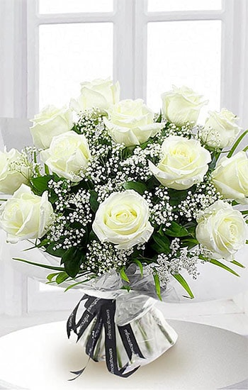 Dozen White Roses Meaning